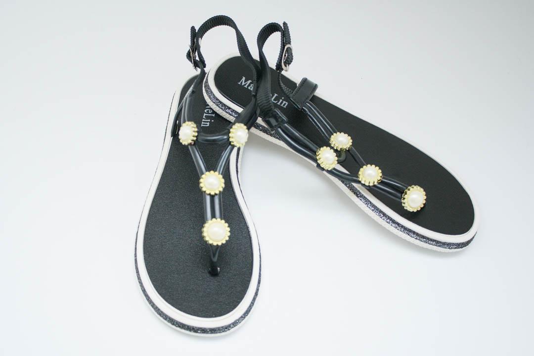 Жіночі сандалі 688